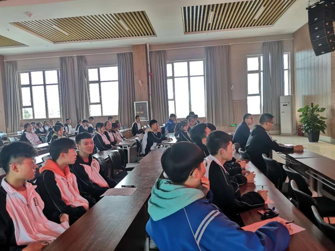 晋cheng网上du场denglu学校举行2020年学sheng会gan部竞pin大会